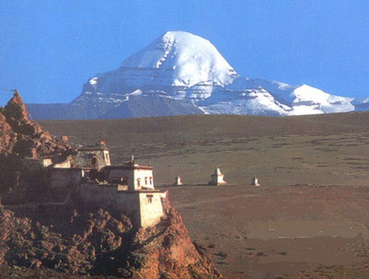 Гора Кайлас на фото