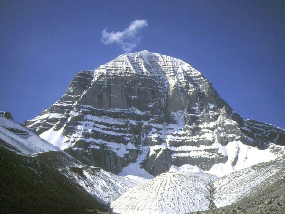 Гора Кайлас свастика