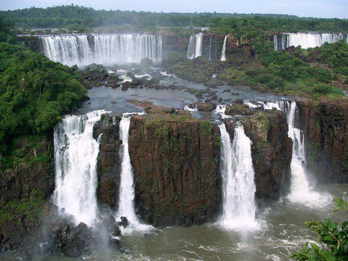 водопад Игуасу википедия