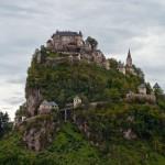 Древний замок Гохостервитц в Каринтии