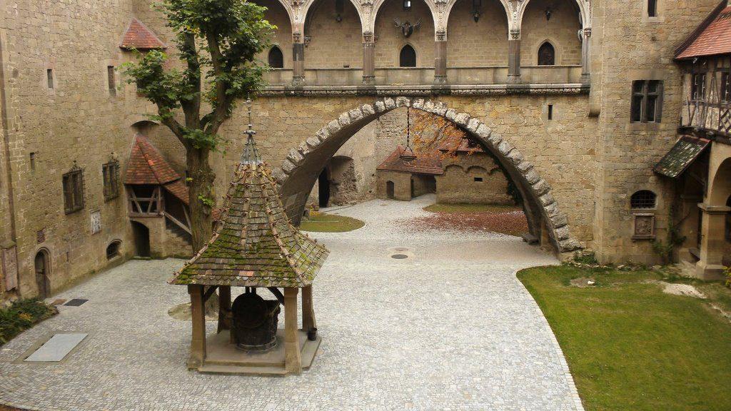Замок Кройценштайн внутри