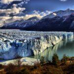 Растущий ледник Перито Морено в Патагонии