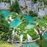 Красочные Плитвицкие озёра в Хорватии