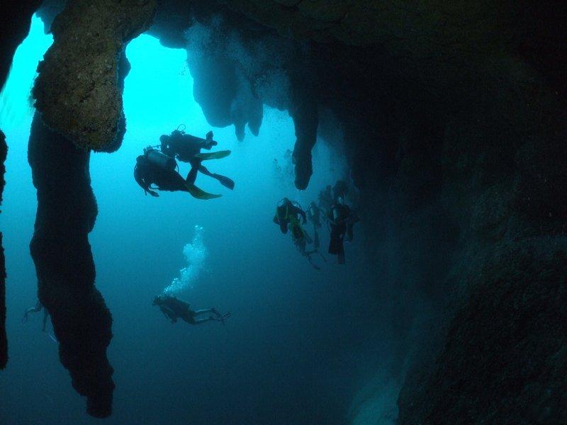 большая голубая дыра лайтхаус-риф