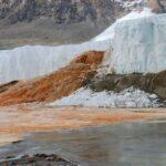 Кровавый водопад Тейлора (Антарктида)