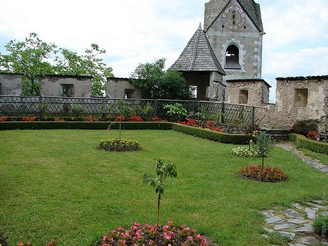 замок Гохостервитц фото