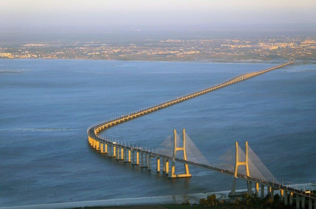 мост Васко да Гама в Лиссабоне