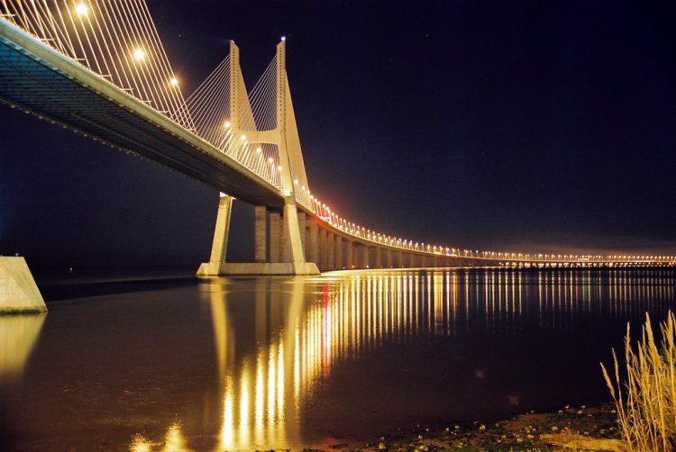 мост Васко да Гама фото
