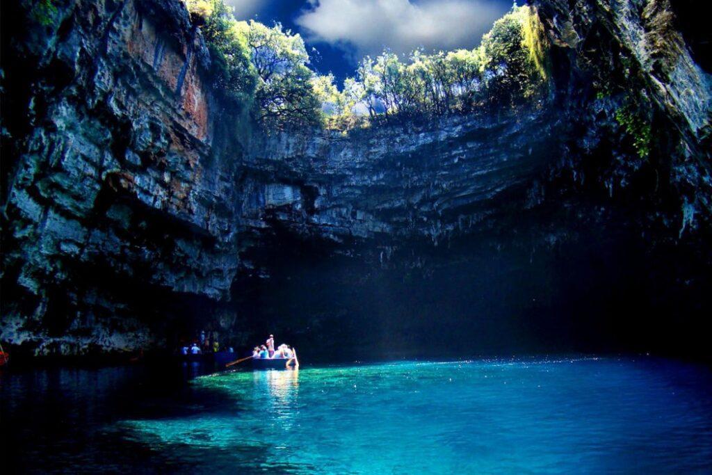 озеро Мелиссани Греция