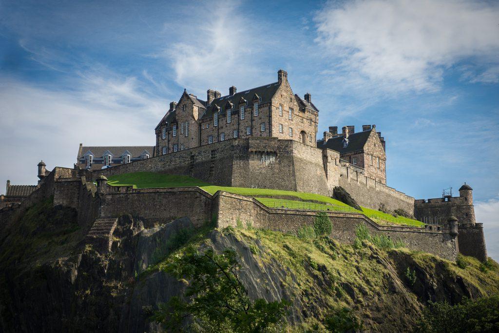 Эдинбургский замок Шотландия фото