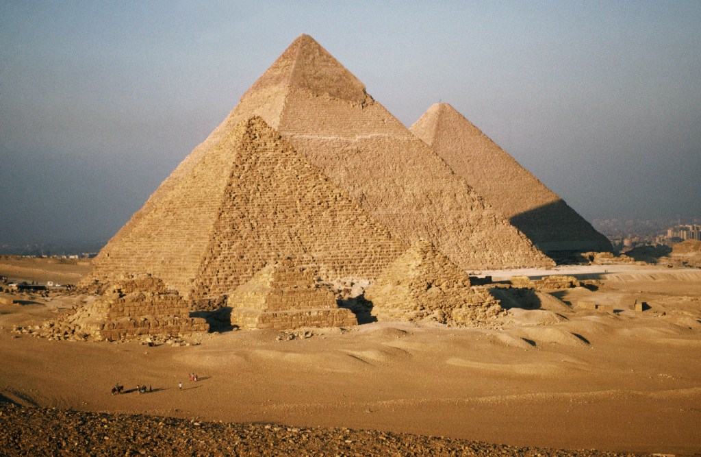 a history of the egyptian pyramids an ancient world wonder The giza pyramid complex has been a popular tourist destination since antiquity, and was popularized in hellenistic times when the great pyramid was listed by antipater of sidon as one of the seven wonders of the ancient world.
