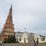 Падающая башня Сююмбике в Казани