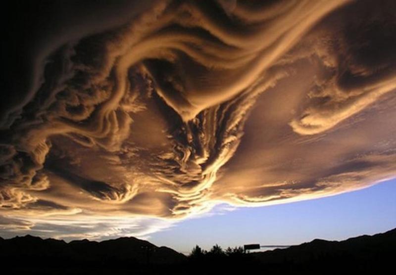 ундулатус асператус - облака фото
