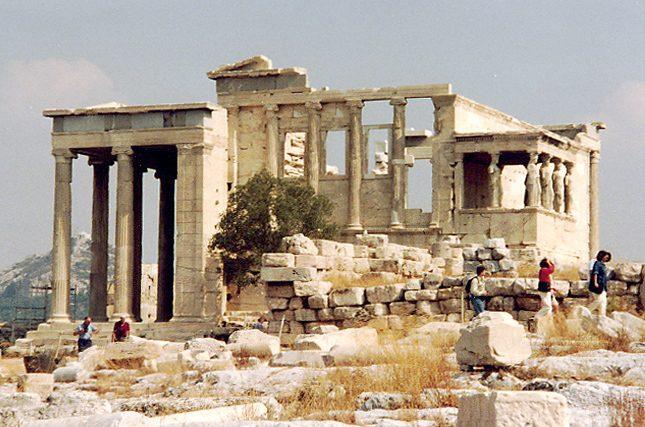 храм Эрехтейон в Афинах