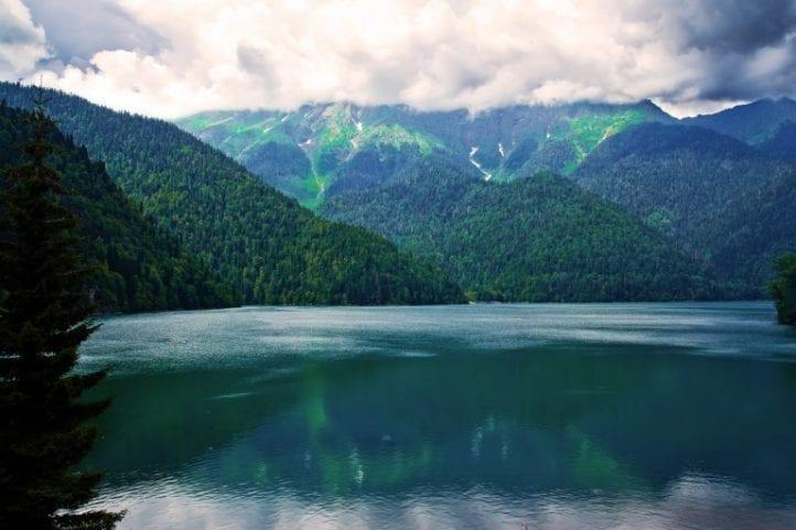 Озеро Рица легенда
