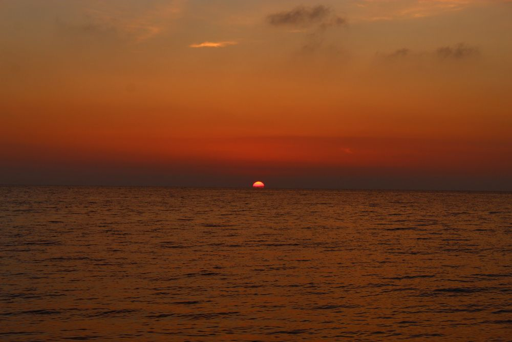 закат в Оленевке фото