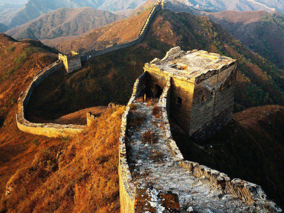 великая китайская стена бойницы смотрят в сторону китая почему
