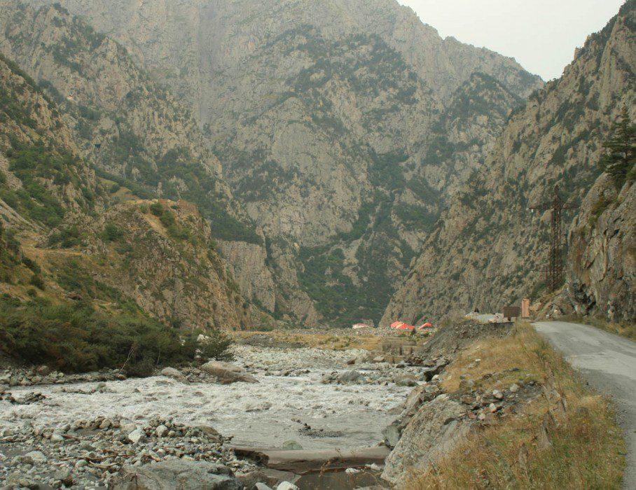 Дарьяльское ущелье фото