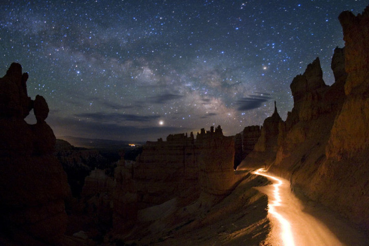 брайс-каньон ночью