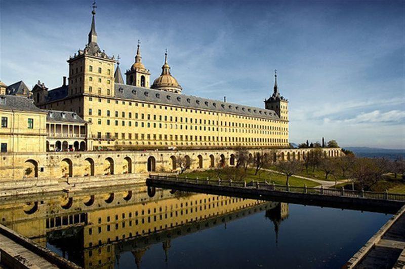 дворец Эскориал