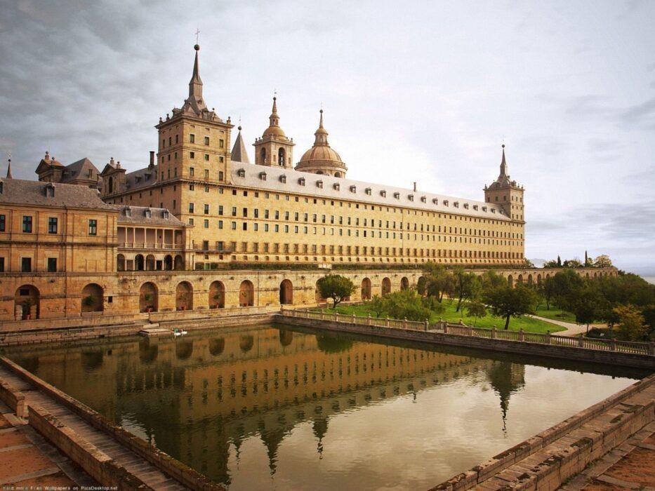 эскориал фото дворца