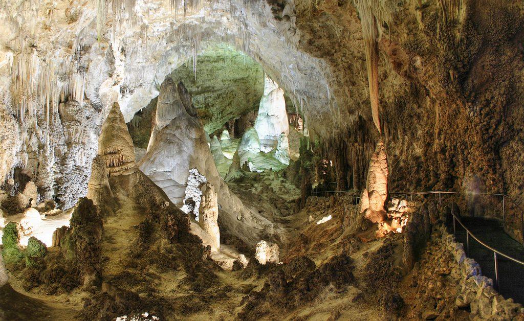 Карлсбадские пещеры внутри