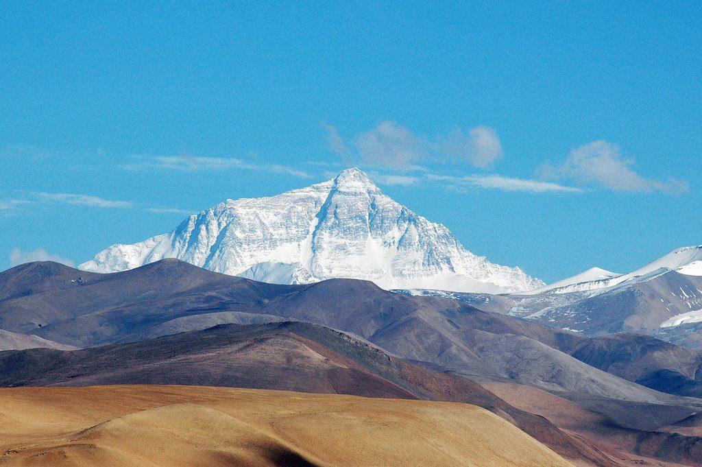 эверест где находится в какой стране