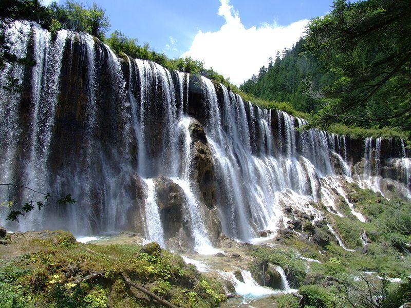 водопады Цзючжайгоу