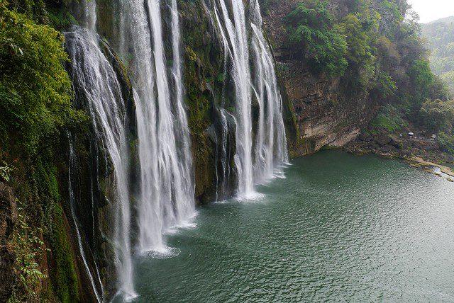 водопад Хуангошу Китай фото