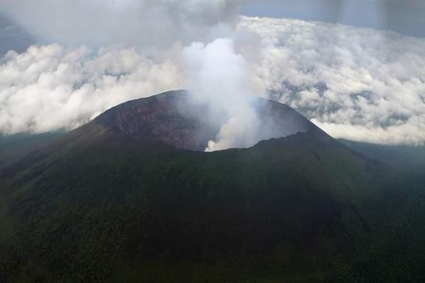 вулкан Ньирагонго фото
