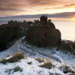 Замок Данноттар на утесе