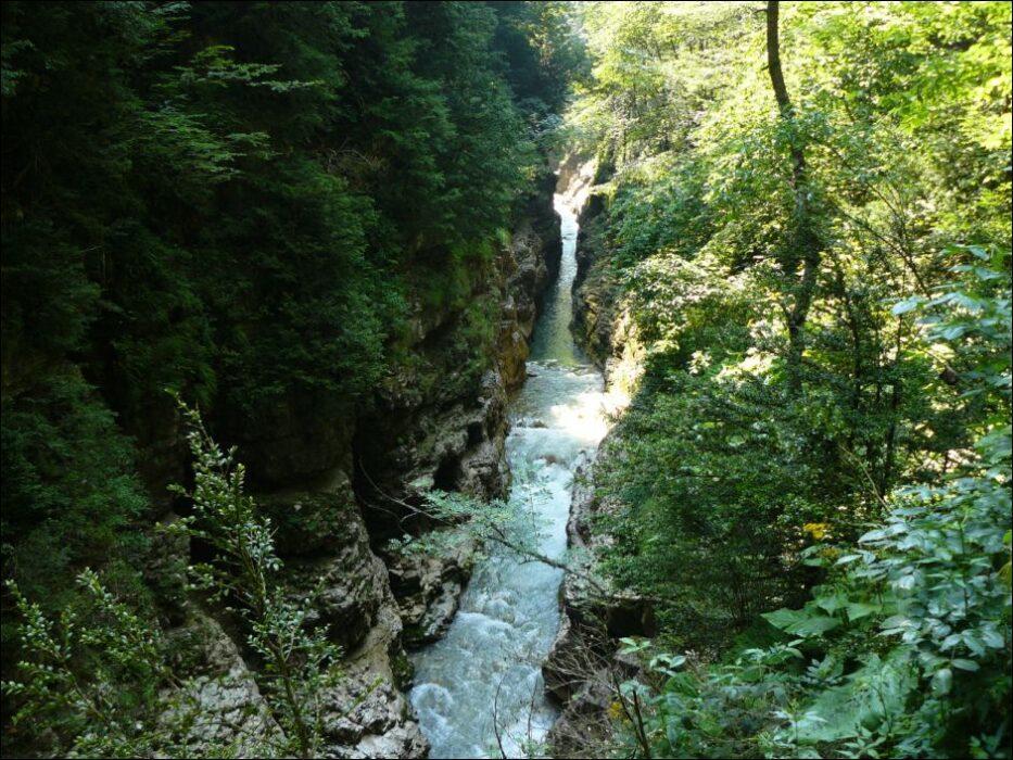 Гуамское ущелье Краснодарский край
