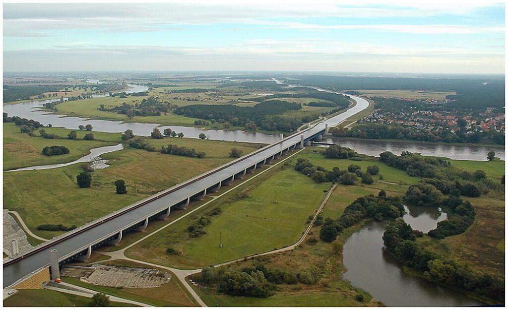 Магдебургский водный мост Германия