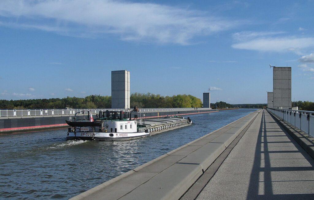 Магдебургский водный мост фото