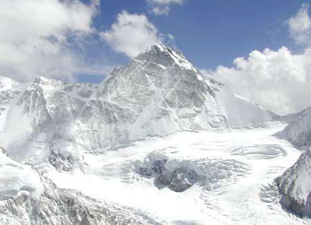 гора Нангпаи Госум