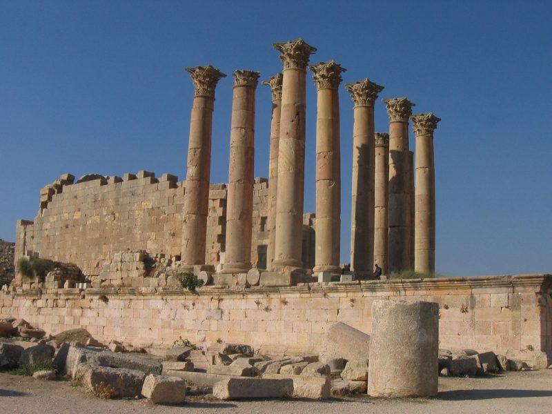 храм Артемиды в Эфесе чудо света