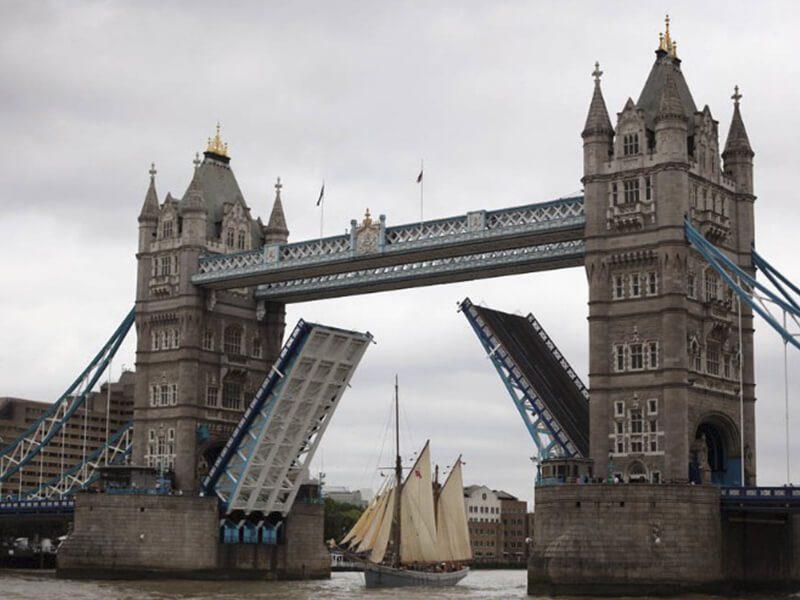 Тауэрский мост Великобритания фото