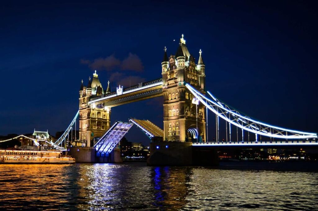Тауэрский мост Лондон фото