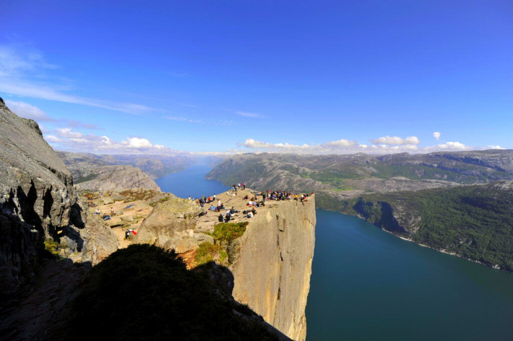 скала Прекестулен в Норвегии