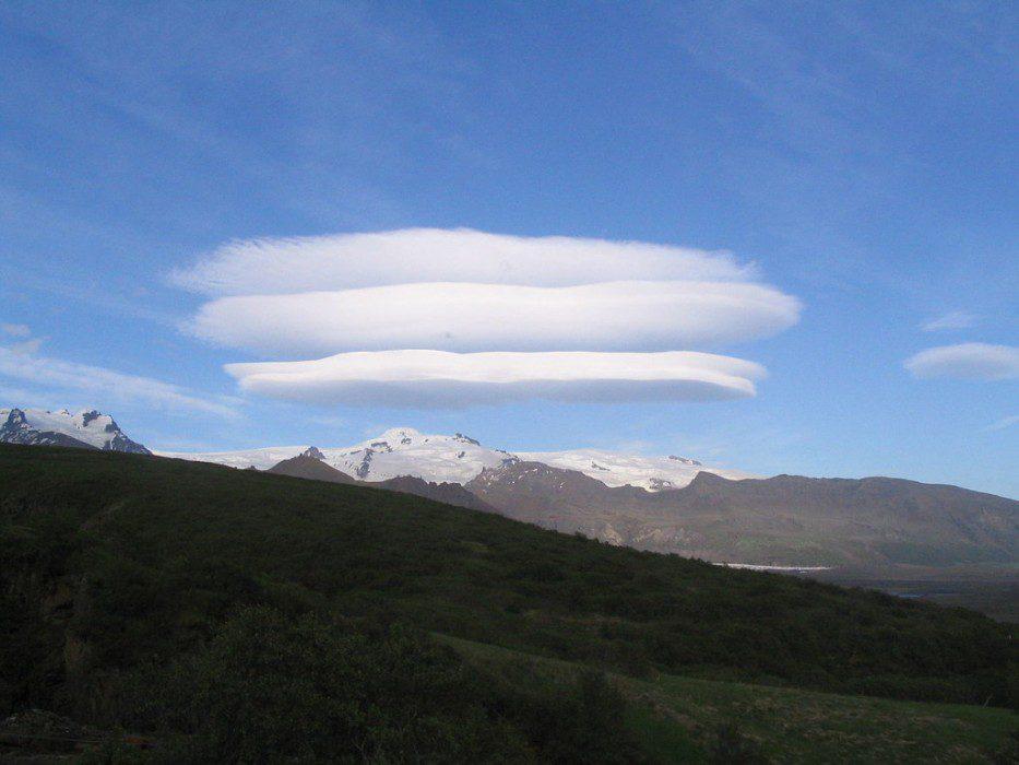 линзовидные облака фото