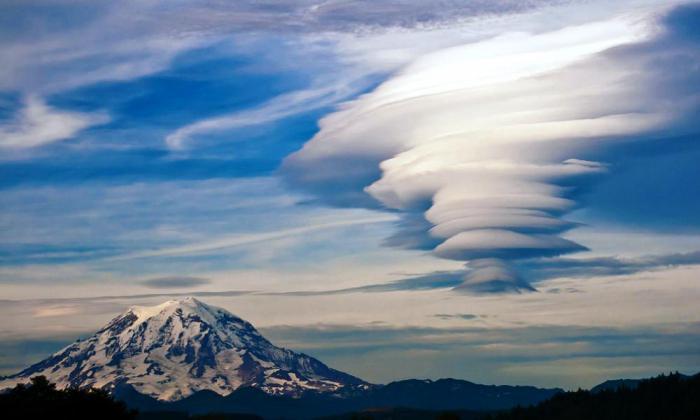 двояковыпуклые облака фото