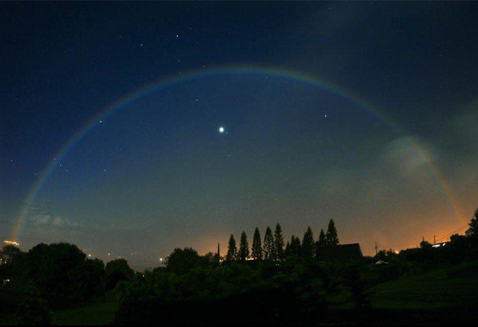лунная радуга фотография