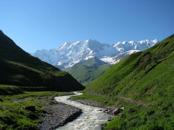 высота горы Шхара