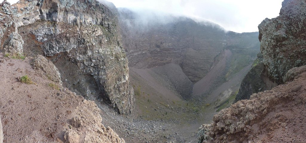 вулкан Везувий фото кратера